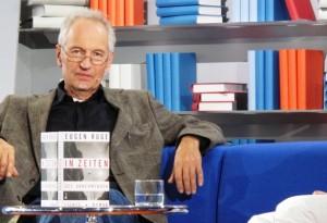 Eugen Ruge auf dem blauen Sofa - Frankfurter Buchmesse 2011
