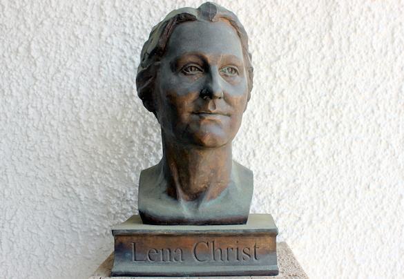 Lena Christ_Büste am Rathaus in Glonn