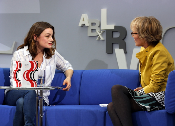 Johanna Adorján und Luzia Braun auf dem Blauen Sofa